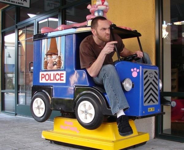 polizeiauto_wwwschneeseicherch